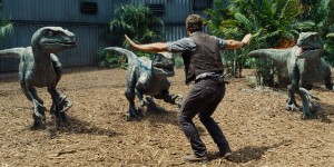 Chirs Pratt stars as Owen in JURASSIC WORLD. ©Uuniversal Studios/Amblin Entertainment.