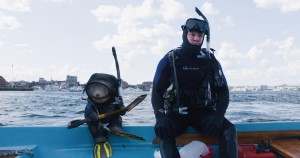 Ted (SETH MACFARLANE) and John (MARK WAHLBERG) prepare to scuba in TED 2. ©Tippett Studio/Universal Pictures and Media Rights Capital.