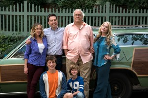 (l-r standing) Christina Applegate as Debbie Griswold, Ed Helms as Rusty Griswold, Chevy Chase as Clark Griswold, Beverly D'Angelo as Ellen Griswold, (l-r, sitting) Skylar Gisondo as James Griswold and Steele Stebbins as Kevin Griswold in VACATION. ©Warner Bros. Entertainment/RatPac-Dune Entertainment. CR: Hopper Stone.