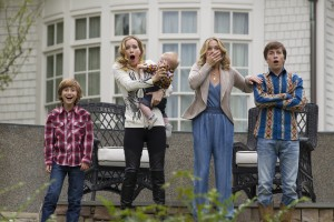 (l-r) Steele Stebbins, Lesile Mann, Christina Applegate and Skyler Gisondo star in VACATION. ©Warner Bros. Entertainment/RatPac-Dune Entertainment. CR: Hopper Stone.
