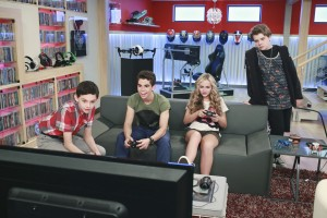 (l-r) Felix Avitia, Cameron Boyce, Sophie Reynolds and Murray Wyatt Rundus star in Disney XD's GAMER'S GUIDE TO PRETTY MUCH EVERYTHING. ©Dinsey Enterprises. CR: Ron Tom.
