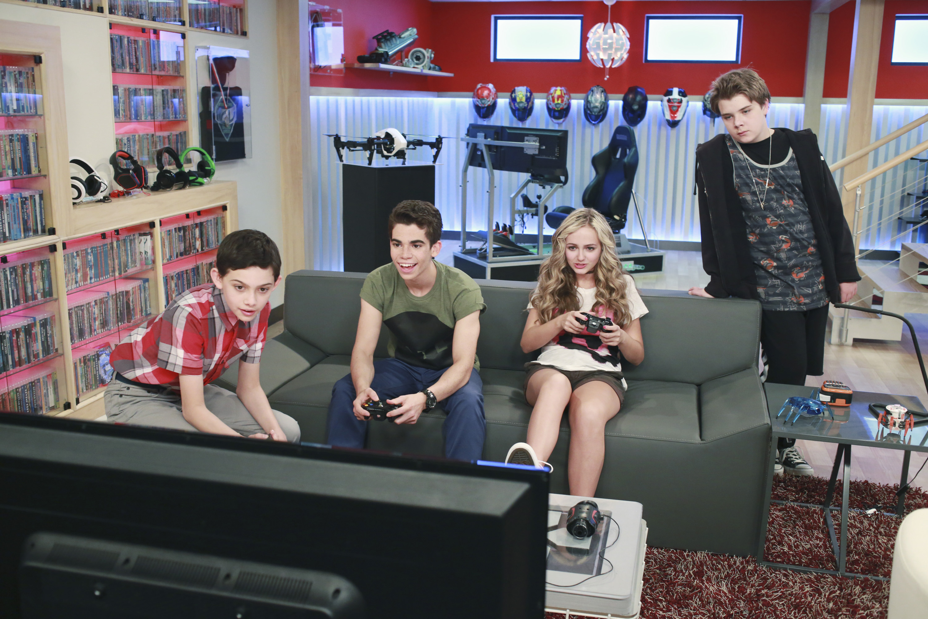 Photos Gamer S Log On To New Disney Channel Series