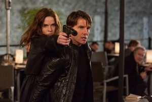 (l-r) Rebecca Ferguson plays Ilsa and Tom Cruise plays Ethan Hunt in MISSION: IMPOSSIBLE - ROGUE NATION. ©Paramount Pictures. CR: Chiabella James.