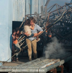 Lake Bell and Owen Wilson star in NO ESCAPE. ©The Weinstein Company. CR: Roland Neveu.