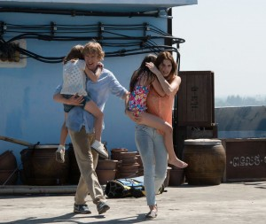 Owen Wilson and Lake Bell star in NO ESCAPE. ©The Weinstein Company. CR: Roland Neveu.