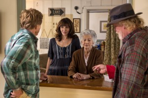 (l to r) Robert Redford stars as Bill Bryson, Mary Steenburgen as Jeannie, unknown as Jeannie's mom and Nick Nolte as Stephen Katz in A WALK IN THE WOODS. ©Broad Green Pictures. CR: Frank Masi / Broad Green Pictures