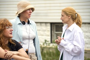 (l to r) Director Isabel Coixet with writer Sarah Kernochan and star Patricia Clarkson on the set of their upcoming film, LEARNING TO DRIVE,. ©Broad Green Pictures. CR: Linda Kallerus/Broad Green Pictures