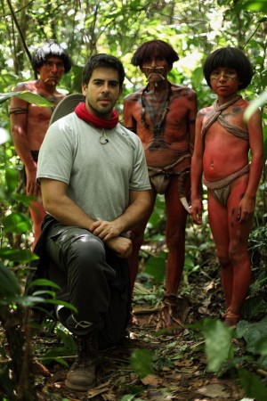Eli Roth, director of THE GREEN INFERNO and members of the Quechua tribe. ©Blumhouse Tilt. CR: Eduardo Moreno.