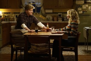 (l-r) Jesse Plemons as Ed Blumquist, Kirsten Dunst as Peggy Blumquist in FARGO. ©FX Networks. CR: Chris Large/FX