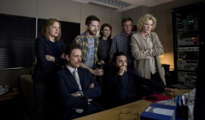 (l-r) Elisabeth Moss as Lucy Scott, David Lyons as Josh Howard, Topher Grace as Mike Smith, Natalie Saleeba as Mary Murphy, Dennis Quaid as Lt. Colonel Roger Charles, Adam Saunders as Tom and Cate Blanchett as Mary Mapes in TRUTH. ©RatPac Truth LLC / Sony Pictures. CR: Lisa Tomasetti.