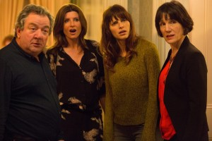 Lake Bell (2nd from right) stars in MAN UP. ©Sabanfilms. CR: Giles Keyte.