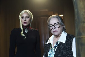 (l-r) Lady Gaga as The Countess and Kathy Bates as Iris in AMERICAN HORROR STORY. ©FX Networks. CR: Prashant Gupta/FX