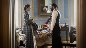Nurse Mary Phinney (Mary Elizabeth Winstead) and Jedediah Foster (Josh Radnor) in MERCY STREET. ©PBS. CR: Antony Platt.