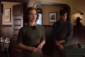 (l-r) Holliday Grainger is Miriam and Beau Knapp is Mel Gouthro in Disney's THE FINEST HOURS. ©Disney Enterprises. CR: Claire Folger.