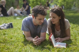 Luke Kirby and Katie Holmes in Paul Dalio's TOUCHED WITH FIRE. ©Roadside Attractions. CR: Joey Kuhn.