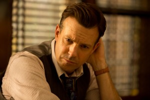 Jason Sudeikis stars as Larry Snyder in Stephen Hopkins' RACE. ©Focus Features. CR: Thibault Grabherr.