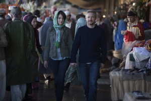 Left to right: Tina Fey plays Kim Baker and Martin Freeman plays Iain MacKelpie in WHISKEY TANGO FOXTROT. ©Paramount Pictures. CR: Frank Masi.