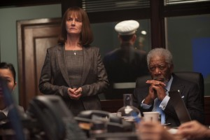 Melissa Yeo (left) stars as DS Ruth McMillan and Morgan Freeman (right) stars as VP Trumbull in Babak Najafi's LONDON HAS FALLEN. ©Gramercy PIctures. CR: David Appleby.