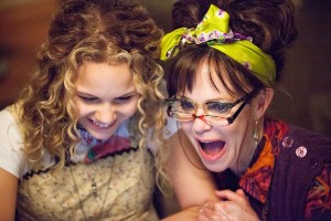 Isabella Acres and Sally Field in HELLO, MY NAME IS DORIS. ©Roadside Attractions. CR: Aaron Epstein.
