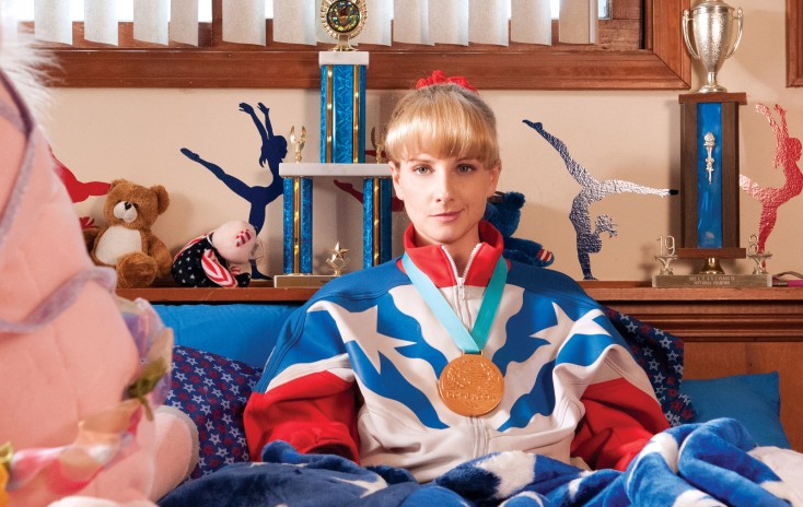 Photos: Writer/Actress Melissa Rauch Sticks To It in 'Bronze'