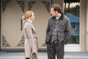 (l-r) Maria Bello and Clive Owen star in THE CONFIRMATION. ©LIonsgate Entertainment.
