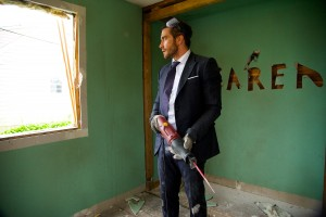 "Jake Gyllenhaal as ""Davis"" in DEMOLITION. ©20th Century Fox. CR: Anne Marie Fox."
