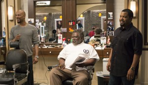 (l-r) Commonas Rashad, Cedric The Entertainer as Eddie and Ice Cube as Calvin Palmer in BARBERSHOP: THE NEXT CUT. ©Warner Brose Entertainment/MGM Pictures. CR: Chuck Zlotnick.