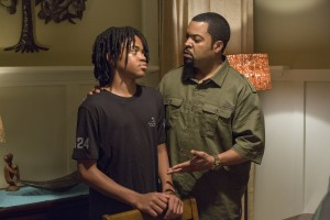 (l-r) MIchael Rainey Jr. as Jalen and Ice Cube as Calvin in BARBERSHOP: THE NEXT CUT. ©Warner Bros. Entertainment/MGM Pictures. CR: Chuck Zlotnick.