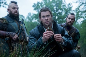 Nion (NICK FROST), Eric the Huntsman (CHRIS HEMSWORTH) and Gryff (ROB BRYDON) in the story that came before Snow White, THE HUNTSMAN: WINTER'S WAR. ©Universal Studios. CR: Giles Keyte.