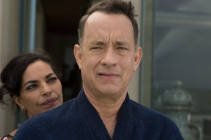(l-r) Sarita Choudhury and Tom Hanks in A HOLOGRAM FOR THE KING. ©Roadside Attractions. CR: Siffedine Elamine.