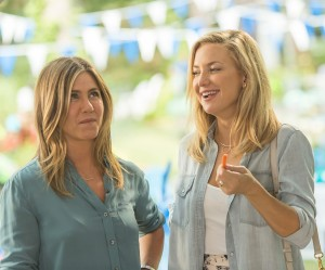 (Left to right) Jennifer Aniston and Kate Hudson in MOTHER'S DAY]] (Left to right) Jennifer Aniston and Kate Hudson in MOTHER'S DAY. ©Open Road Films. CR: Ron Batzdorff.