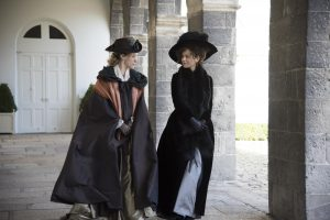 (l-r) Chloë Sevigny and Kate Beckinsale in Whit Stillman's LOVE & FRIENDSHIP.. ©Amazon Studios/Roadside Attractions. CR: Bernard Walsh.