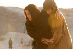(l to r) Ayelet Zurer stars as 'Mother' and Tye Sheridan as 'Son' in the imagined chapter of Jesus' forty days of fasting and praying, LAST DAYS IN THE DESERT. ©Broad Green Pictures. CR: Gilles Mingasson / Broad Green Pictures.