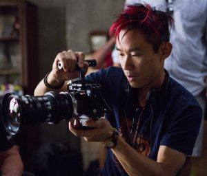 Director James Wan on the set of THE CONJURING 2. ©Warner Bros. Entertainment / Ratpack-Dune Entertainment LLC. CR: Matt Kennedy.