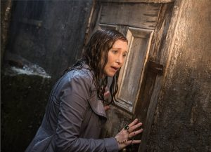 Vera Farmiga as Lorraine Warren in James Wan's THE CONJURING 2. ©Warner Bros. Entertainment / Ratpack-Dune Entertainment.
