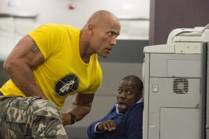 (l-r) Dwayne Johnson and Kevin Hart star in CENTRAL INTELLIGENCE. ©Warner Bros. Entertainment. CR: Claire Folger.