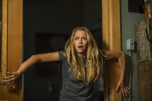 Teresa Palmer stars in LIGHTS OUT. ©Warner Bros. Entertainment. CR: Teresa Palmer.