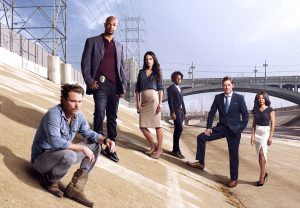 (l-r) Clayne Crawford, Damon Wayans Sr., Jordana Brewster, Johnathan Fernandez, Kevin Rahm and Keesha Sharp on LETHAL WEAPON. ©2016 Fox Broadcasting Co. CR: Brian Bowen Smith/FOX