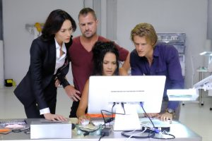 (l-r) Sandrine Holt,  George Eads. Tristin Mays and Lucas Till star in MACGYVER. ©CBS Broadcasting. CR: Guy D'Alema/CBS.