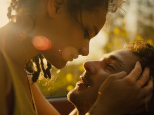 (l-r) Sasha Lane and Shia LaBeouf star in Andrea Arnold's AMERICAN HONEY. ©A24.