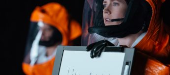 Amy Adams Communicates with Aliens in 'Arrival'