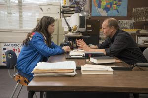 (Left to Right) Hailee Steinfeld and Woody Harrelson in THE EDGE OF SEVENTEEN. ©STX Productions. CR: Murray Close.