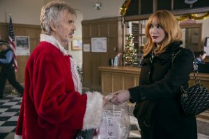 (l-r) Billy Bob Thornton stars as Willie Soke and Christina Hendricks as Diane in BAD SANTA 2,. ©Jan Thijs | Broad Green Pictures / Miramax