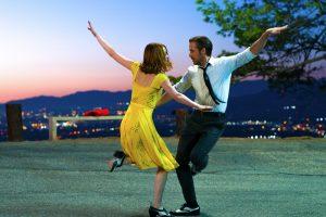Mia (Emma Stone) and Sebastian (Ryan Gosling) in LA LA LAND. ©Lionsgate. CR: Dale Robinette.