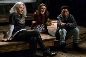 (l-r) Helen Mirren as Brigitte, Keira Knightley as Amy and Jacob Latimore as Raffi in COLLATERAL BEAUTY. ©Warner Bros. Entertainment. CR: Barry Wetcher.