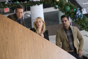 (l-r) Edward Norton as Whit, Kate Winslet as Claire and Michael Pena as Simon in COLLATERAL BEAUTY. ©Warner Bros. Entertainment. CR: Barry Wetcher.